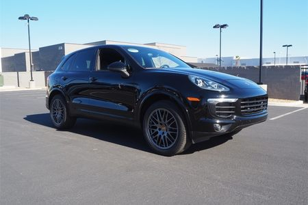 2017 Cayenne Platinum Edition picture #1