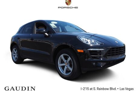 2017 Macan Base picture #1
