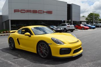 2016 cayman 2dr cpe gt4 1