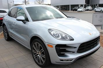 2016 macan turbo