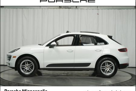 2017 Macan AWD picture #1