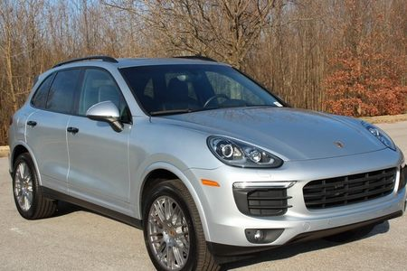 2018 Cayenne Platinum Edition picture #1