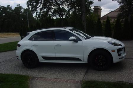 2017 Macan GTS picture #1