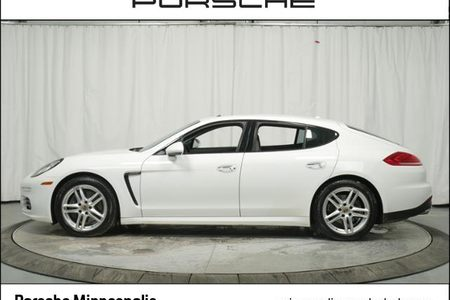 2014 Panamera 4dr HB 4 picture #1