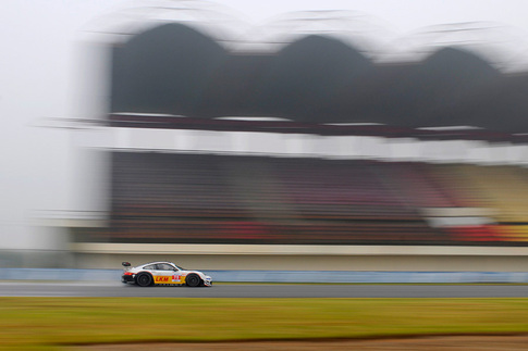 GT3 R Hybrid met with rain during pre-race testing in China 7