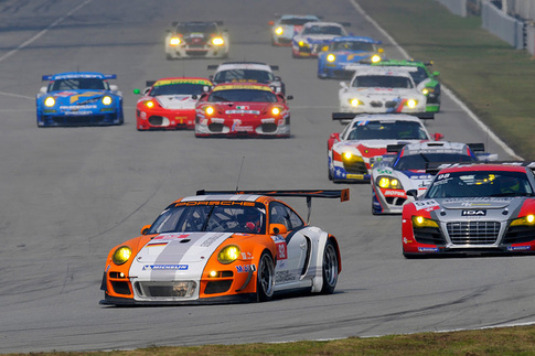 Porsche's Hybrid race car finishes ahead of GT2 6