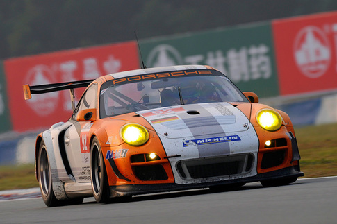Porsche's Hybrid race car finishes ahead of GT2 10