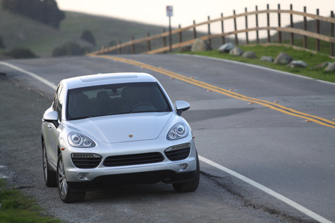 Video: 2011 Cayenne S — Short-take road test 8