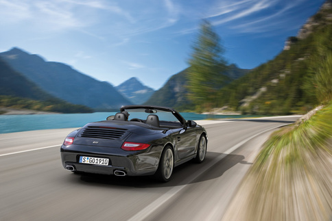 Porsche announces 911 Black Edition 2