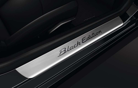Porsche announces 911 Black Edition 7