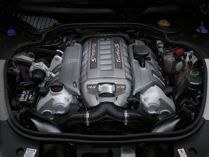 Porsche announces Panamera Turbo S 6