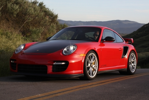 Video: GT2 RS vs. GT3 RS 10