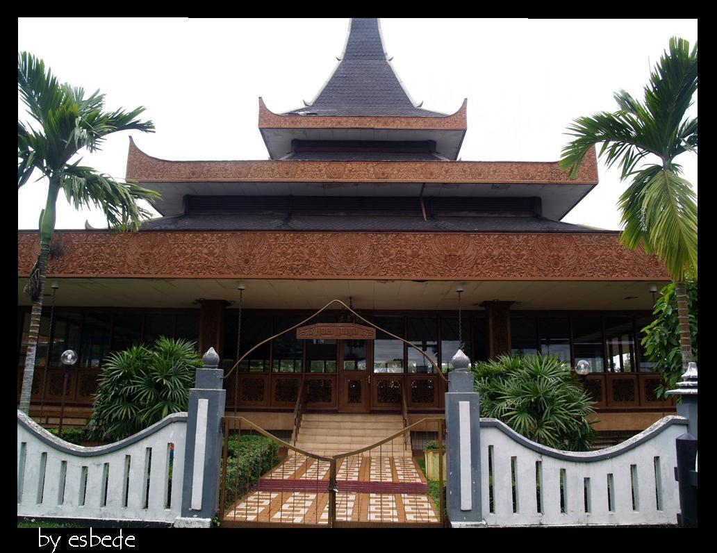 900+ Gambar Rumah Adat Dari Jawa Timur Terbaik