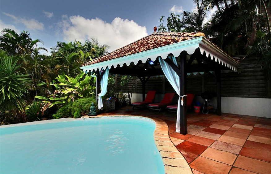 Location villa avec piscine trois ilets martinique i villa horizon i villaveo for Villa vacances piscine