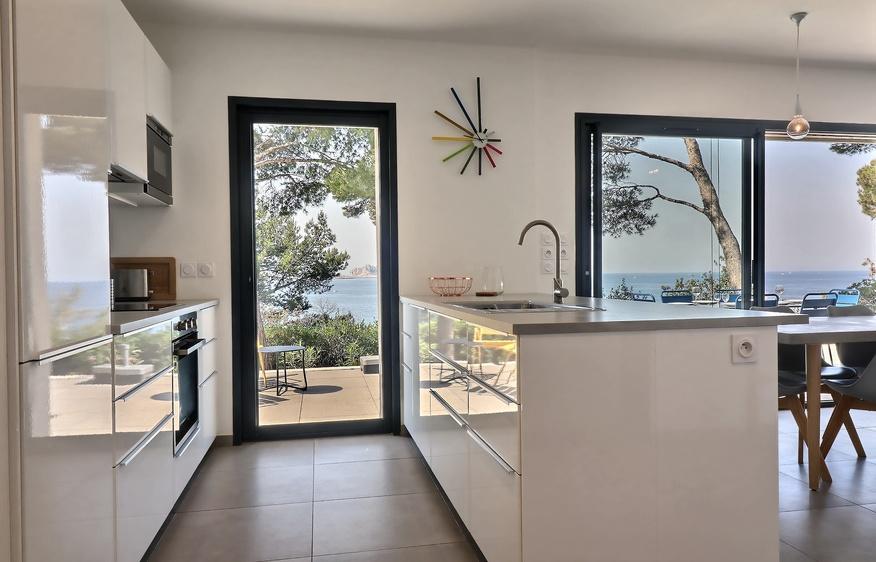 location Villa  Corniche Kennedy Marseille Provence Côte d'azur