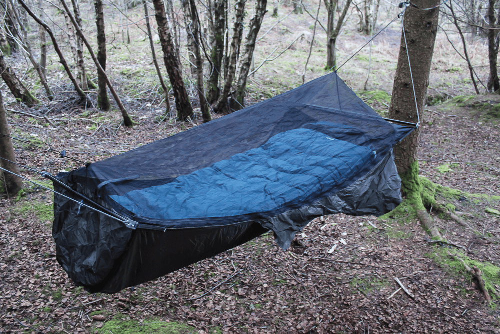 Bridge style camping hammock. Photo posted by user The Big Lebowski to bushcraftuk.com