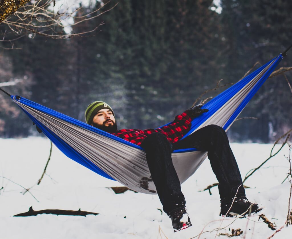 winter hammocking camping in the cold