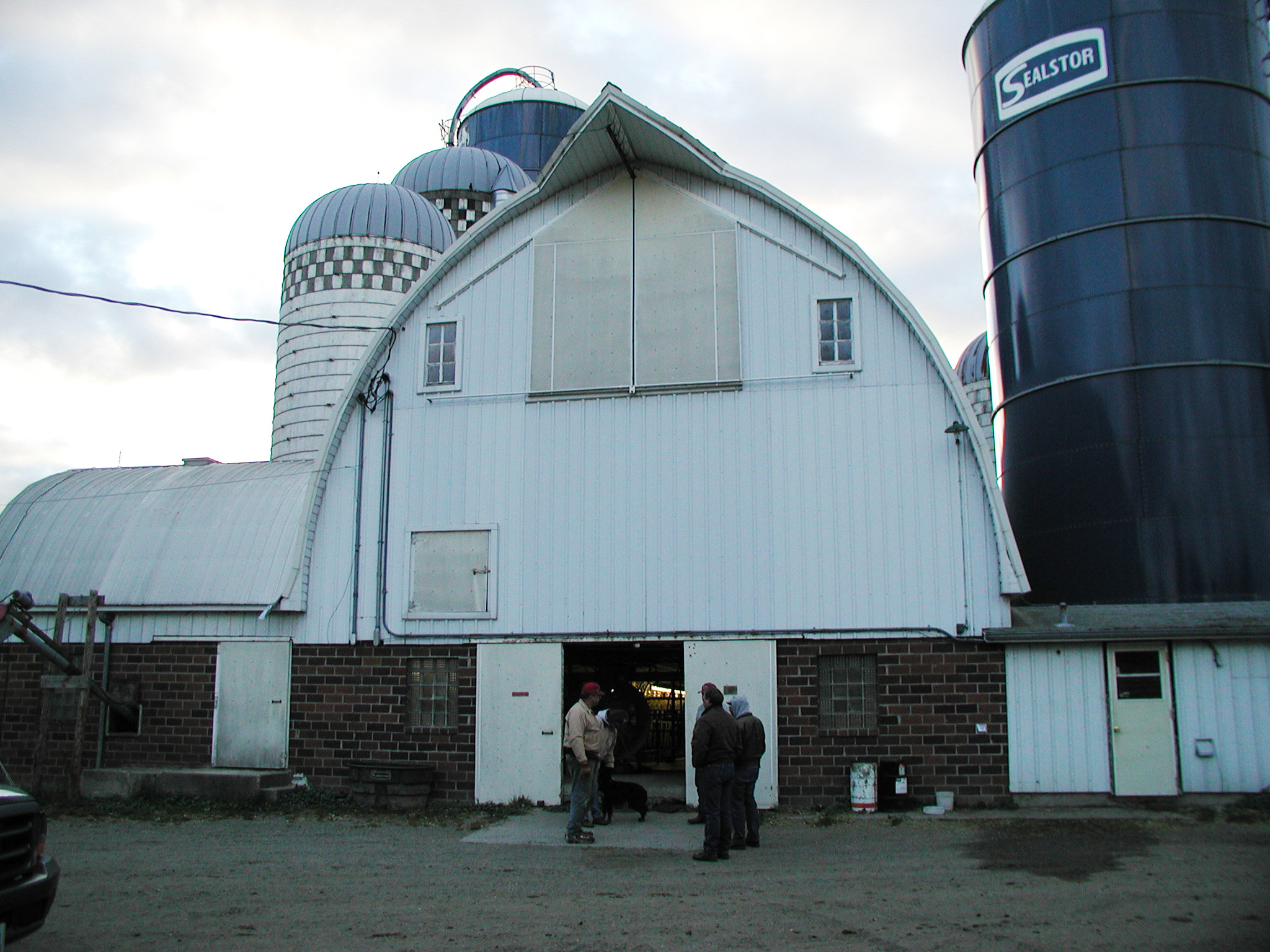 Photo 4 This Dairy Farm Has Chosen To Update The Traditional Barn Into A Milking