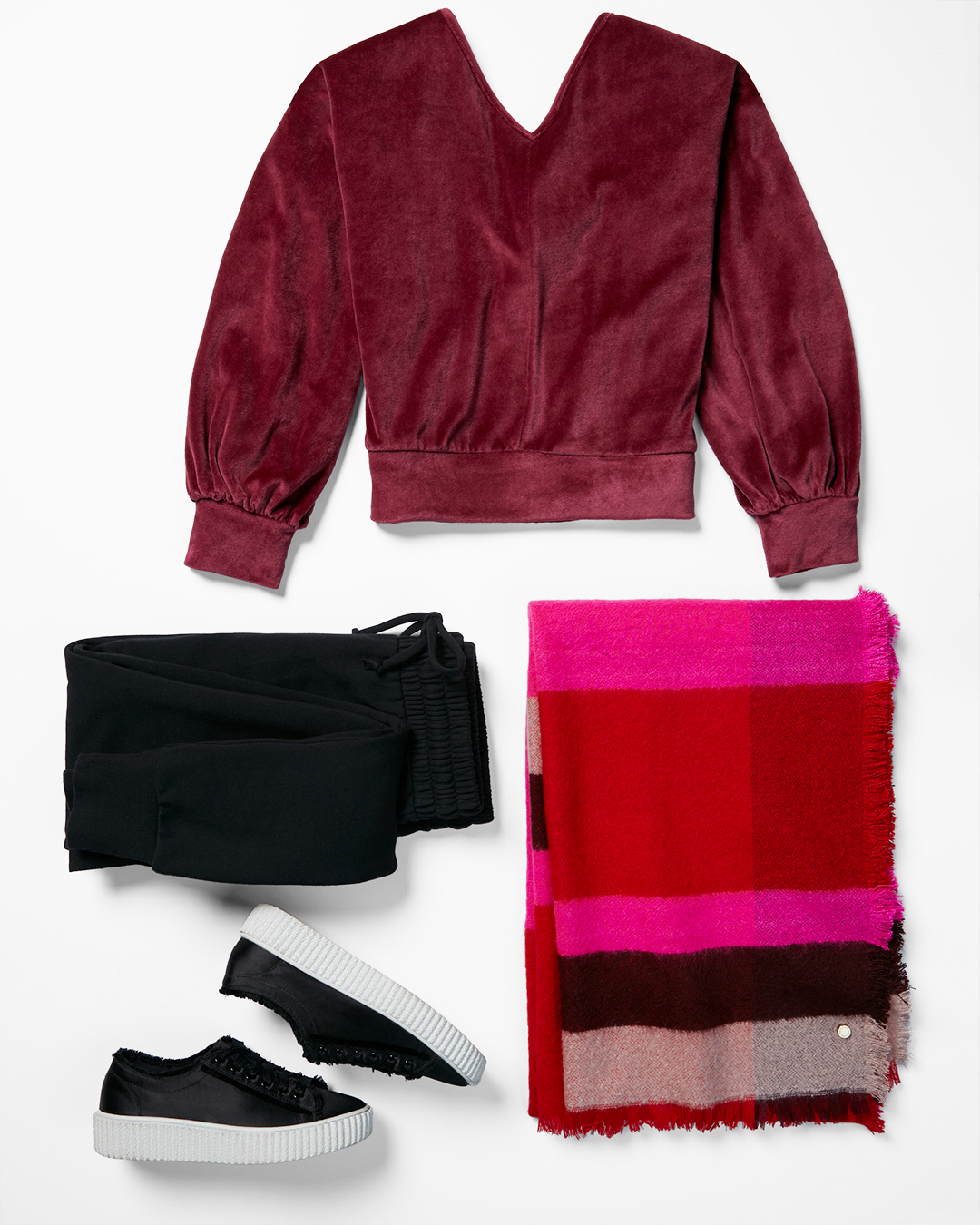 velour-sweatshirt-color-checked-blanket-scarf-joggers-black-sneakers