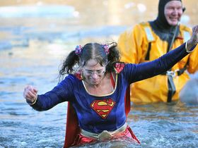 635557287137340928 mnj 0102 polar bear dip17 article