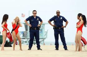 Jake johnson damon wayans jr lets cops films lscpagbd5qdl article