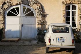 Affordable wines of burgundy domaine chandon de briailles hip paris blog photo by casey hatfield article