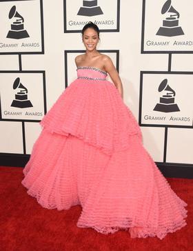 Rihanna2015grammyawards article