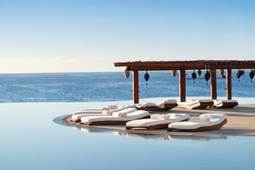Infinity pool at las ventanas al paraiso hotel los cabos mexico conde nast traveller 21jan16 squire fox  article