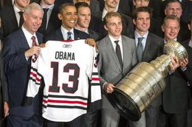 Obama celebrates hometown blackhawks at white house article