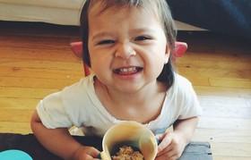 Sandy eating banana oat snack cake 940x600 article