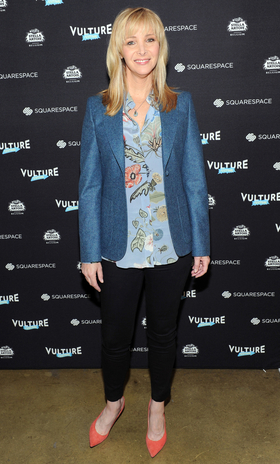 060115 lisa kudrow at vulture festival 2015 article