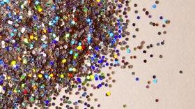 Glitter article