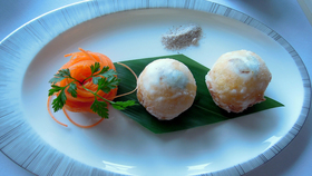 1 yan toh heen scallops with pear1920 article