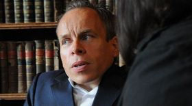 Warwick davis being interviewed article