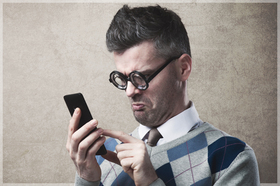Man confused smartphone article