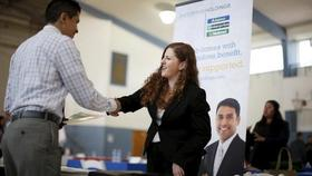 Cbusiness us usa economy jobless 2 article