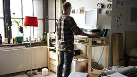 Standing desks article