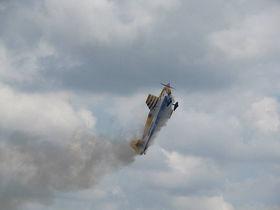Plane smoke article