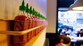20150528183430 hot hot heat sriracha condiment spicy hot chili sauce article