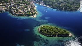 150914115610 1 hidden islands solta large 169 article