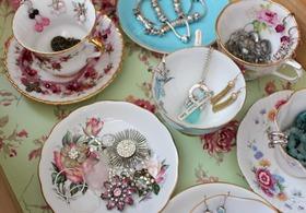 Satori teacup jewelry organization article