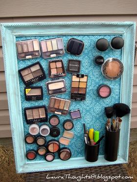 Makeup magnet board 2 article
