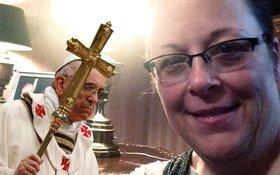 Kim davis pope selfie tdb article