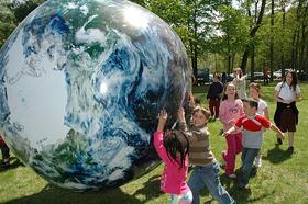 Kids earth ball article