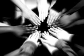 Team huddle kids sports article