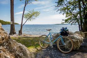 Burlington bike path lake champlain 590 article