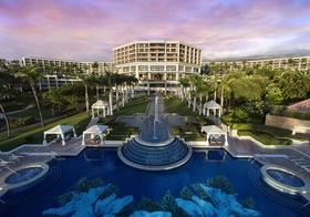 Grand wailea hibiscus pool article