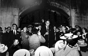 Onlinejfk article