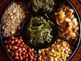 20160126 burmese tea leaf salad shutterstock 179907764 thumb 1500xauto 429518 article