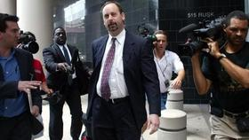 Ex sec regulator spencer barasch resigns from law firm amid questions about his work for ponzi fraudster r allen stanford 1413242260777 article